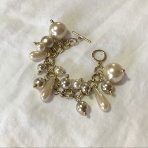 Golden Pearly Big Pearls and Beads Charm Bracelet